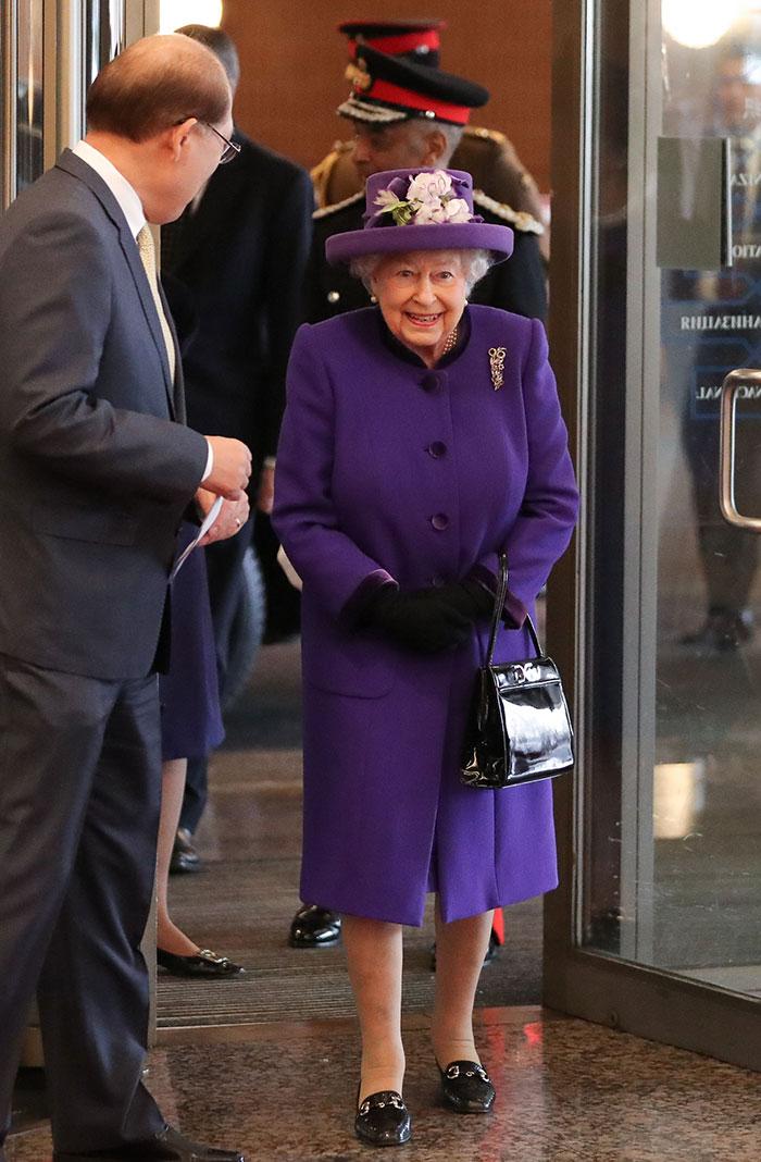 La reina Isabel durante el 70 aniversario de la 'International Maritime Organization' / Gtres