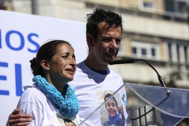 María Casado acaba llorando en la entrevista con los padres del pequeño Gabriel