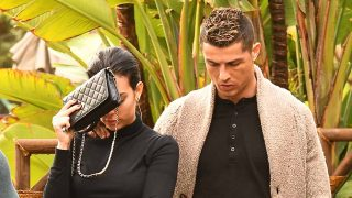 Georgina Rodríguez y Cristiano Ronaldo en la celebración del 24º cumpleaños de la joven el pasado enero / Gtres
