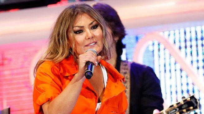 Amaia Montero durante su actuación en los Premios Dial 2018 / Gtres