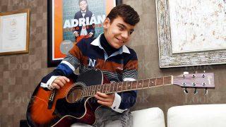 GALERÍA:  Así  es el pequeño Adrián en su hogar / LOOK