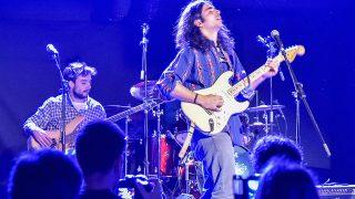 Gonzalo Sierra es bajista del grupo de Guillermo Furiase./ Gtres