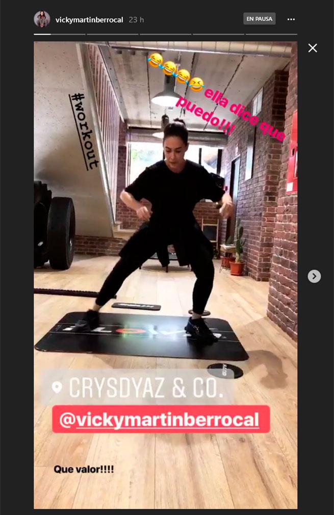 Vicky Martín Berrocal practicando flowin en el gimnasio
