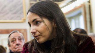 Alejandra Suárez ya muestra su anillo de compromiso/ Gtres