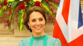 Kate Middleton con diseño de la firma británica / Gtres