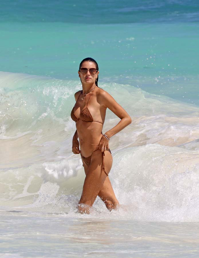 famosas bikini semana santa