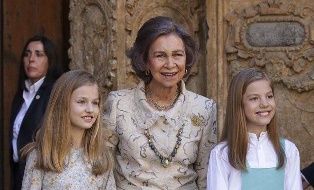 Las 'NO-FOTOS' de doña Sofía con las hijas de los Reyes