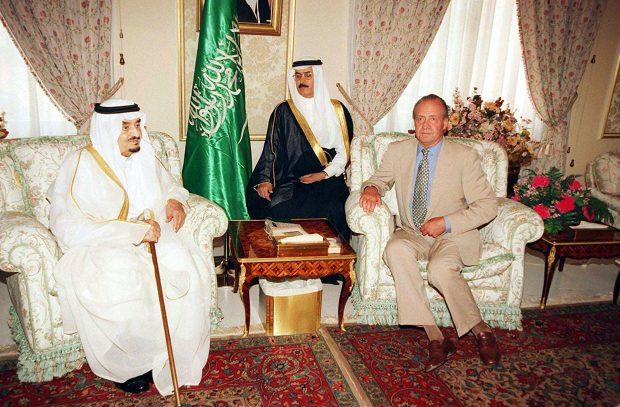 La oportuna visita a España del príncipe saudí que 'escondió' al rey Juan Carlos en Semana Santa