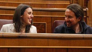 Primeras imágenes de Pablo Iglesias e Irene Montero tras anunciar su emabrazo/ Gtres