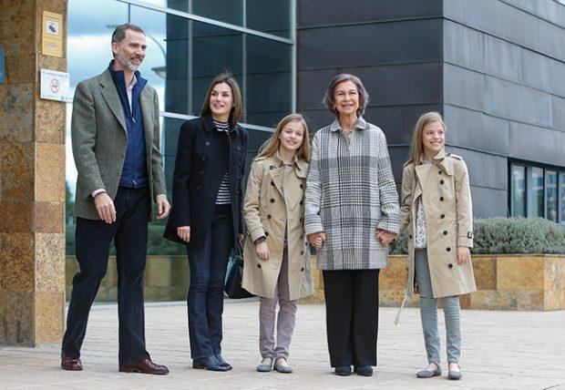 El disimulado empujón de la reina Letizia a Leonor que pasó desapercibido en su televisada reconciliación
