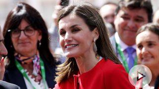 La reina Letizia muestra su lado más simpático en Huelva / Gtres
