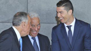 Ronaldo con Rebelo de Sousa en una imagen de archivo / Gtres