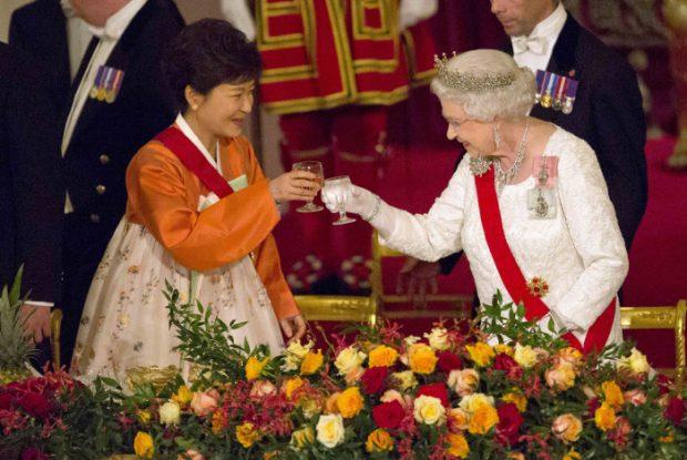 Adiós al marisco, a los selfies y al Monopoly: Lo que le espera a Meghan cuando sea duquesa