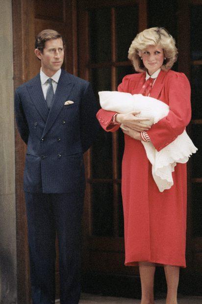 Kate Middleton rinde homenaje a Diana y a Harry al recibir el alta hospitalaria