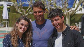 Alfred y Amaia se encuentran con Rafa Nadal/ Gtres