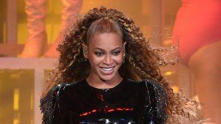 Ya puedes hacerte con los looks de Beyoncé en Coachella / Gtres