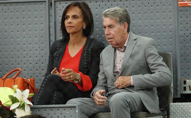 Manolo Santana con Claudia Rodríguez