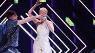Un espontáneo ha provocado un gran susto en la cantante /Tve