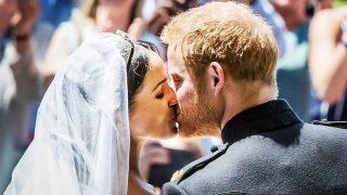 El primer beso de Meghan y Harry como marido y mujer / Gtres
