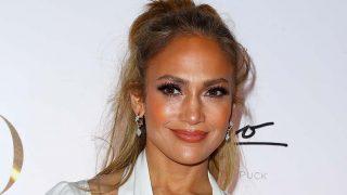 Jennifer Lopez ha vuelto a sorprender con uno de sus looks más inesperados / Gtres