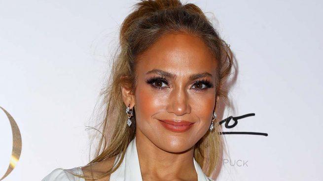 Jennifer Lopez sorprende con transparencias… ¡donde menos te lo esperas!