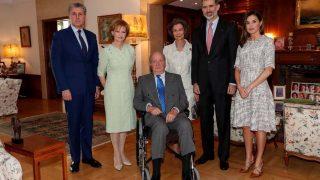 Los reyes actuales y los eméritos posan junto a la princesa Margarita de Rumanía/ Casa Real