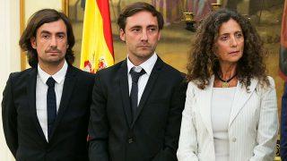 Gelete y Pablo Nieto junto a Belinda Alonso en un homenaje a Ángel Nieto en Madrid en septiembre de 2017 / Gtres