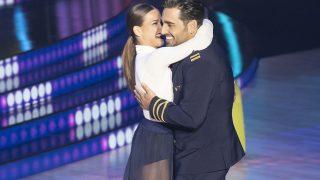 David Bustamante y Yana Olina durante su actuación / Gtres