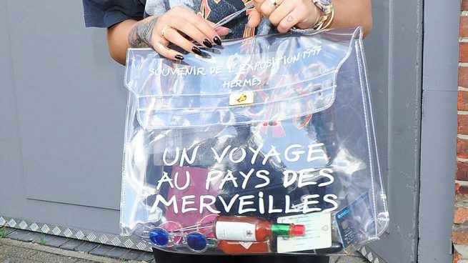 Los bolsos transparentes han llegado para quedarse y tenemos varias opciones 'low cost' que ofrecerte