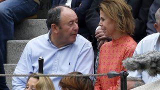 Agatha Ruiz de la Prada y Luis Miguel Rodríguez durante la Feria de San Isidro 2018 en Madrid / Gtres