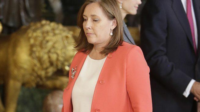 Elvira Fernández, la perfecta 'Primera Dama', que hoy tendrá que hacer las maletas