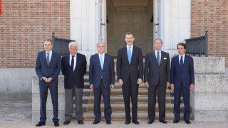 El Rey con los tres expresidentes / Casa Real
