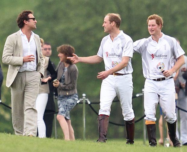 El príncipe Harry vuelve a presentarse ante el altar