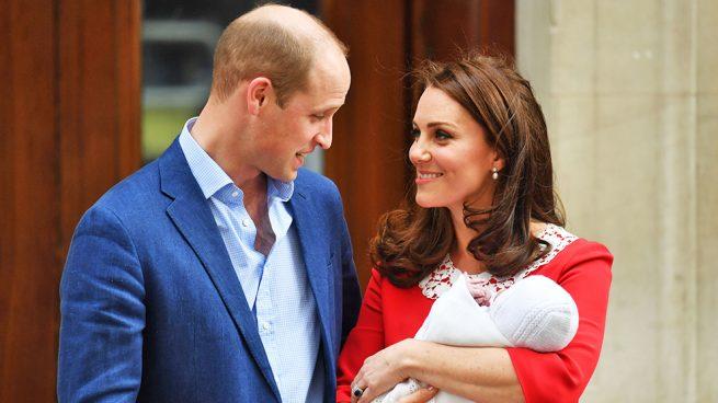Los duques de Cambridge y su hijo Louis