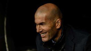 Zinedine Zidane en el banquillo / Gtres