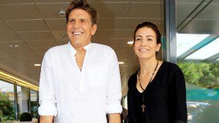 Manuel Díaz 'El Cordobés' ha abandonado el hospital junto a su mujer, Virgina Troconis /Gtres