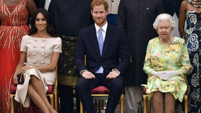 Meghan Markle con el príncipe Harry y la Reina / Gtres