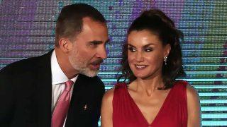 Los reyes Felipe y Letizia en la entrega de premios de la Fundación Princesa de Girona / Gtres