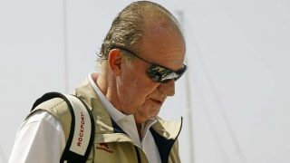 El rey Juan Carlos participando en una regata /Gtres