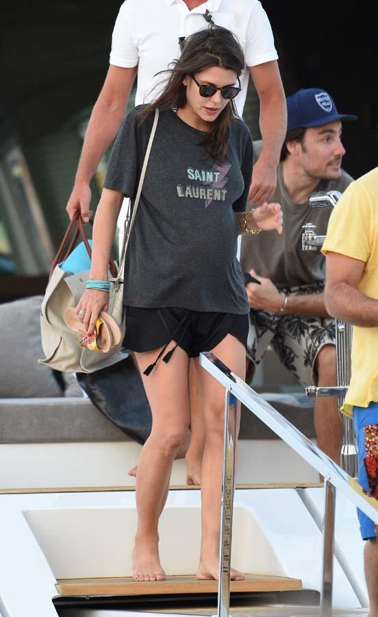 La hija de Carolina de Mónaco con shorts y camiseta / Gtres