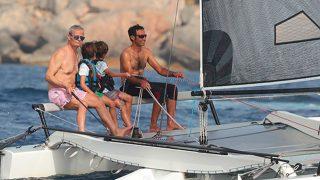 Javier Merino y sus hijos pequeños pasaron una jornada a bordo de un catamarán / Gtres