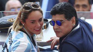 Maradona, junto a su prometida, Rocío Oliva / Gtres.
