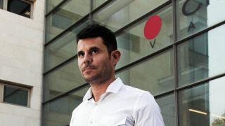 Javier Sánchez Santos tras presentar la demanda de paternidad a Julio en julio del pasado año /Gtres