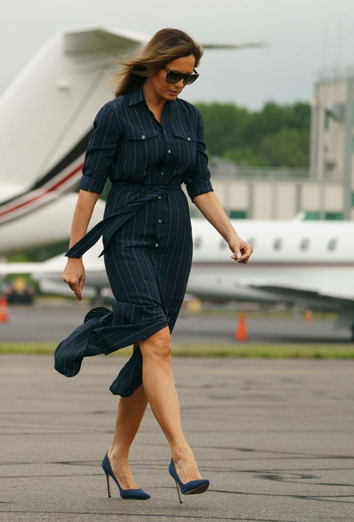 Melania Trump con vestido camisero