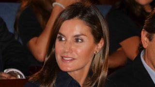 Doña Letizia se decantó por un look otoñal / Gtres
