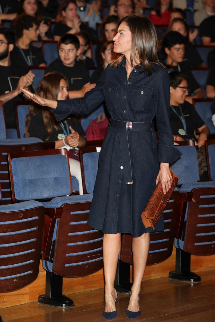 Reina letizia con vestido Hugo Boss