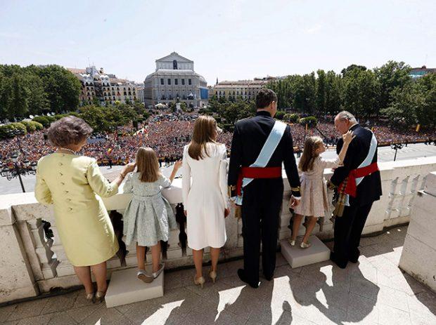 Rey Felipe, Reina Letizia, princesa Leonor, infanta Sofía, rey Juan Carlos, Reina Sofía