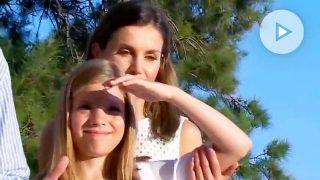 El 'manotazo' de la infanta Sofía a la reina Letizia en el posado en Mallorca