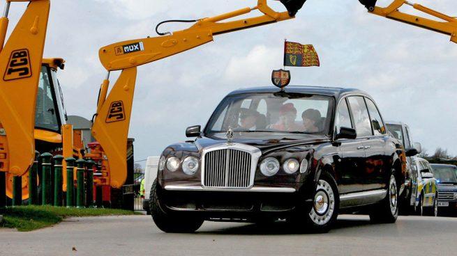 A subasta un coche idéntico al que Meghan Markle utilizó en su boda con el príncipe Harry