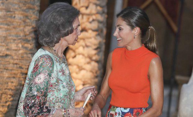 Los Reyes y doña Sofía: La imagen de la concordia en el verano más complicado de los Borbones